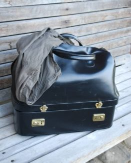 Koffer-Tasche alt leihen
