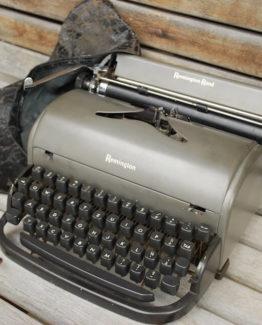 Schreibmaschine antik Leihe